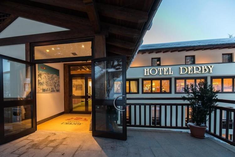 HOTEL  DERBY                  (FOLGARIDA)   (TN)