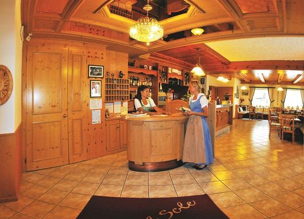 HOTEL AL SOLE                                                                     (FOLGARIA) (TN)
