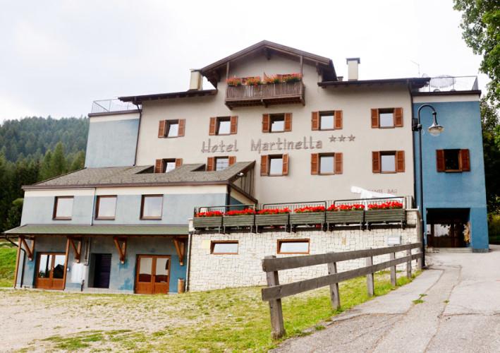 HOTEL  MARTINELLA                                             (SERRADA - FOLGARIA)   (TN)