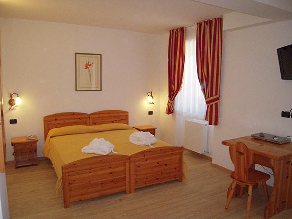 HOTEL SEGGIOVIA                                                                         (FOLGARIA) (TN)