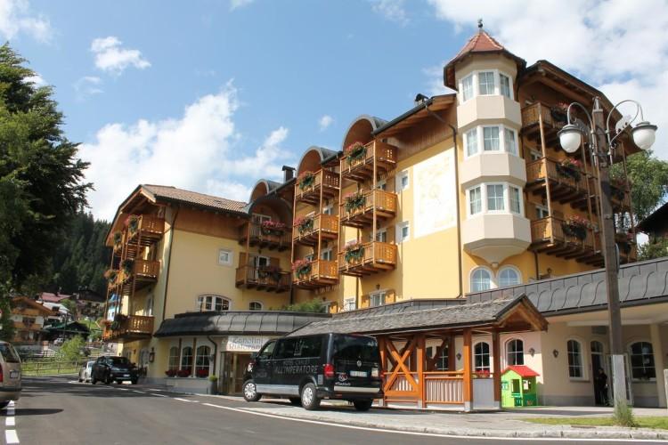 HOTEL CHALET  ALL'IMPERATORE                               (MADONNA DI CAMPIGLIO)   (TN)