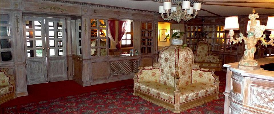 HOTEL & RESIDENCE CATTURANI                            (MADONNA DI CAMPIGLIO) (TN)
