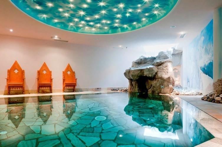 HOTEL GIANNA                                (MADONNA DI CAMPIGLIO)  (TN)