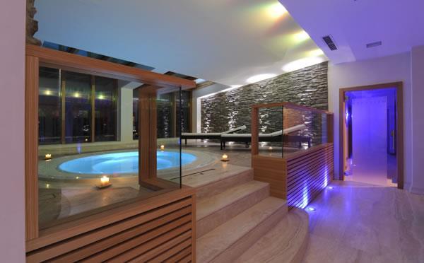 HOTEL  MAJESTIC  MOUNTAIN CHARME                        (MADONNA DI CAMPIGLIO)  (TN)