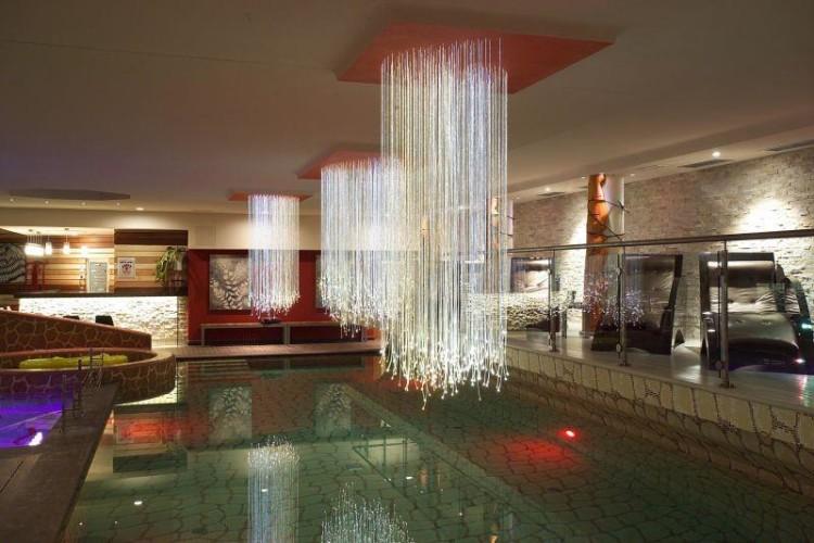 HOTEL  DESIGN  OBEROSLER      (MADONNA DI CAMPIGLIO)   (TN)