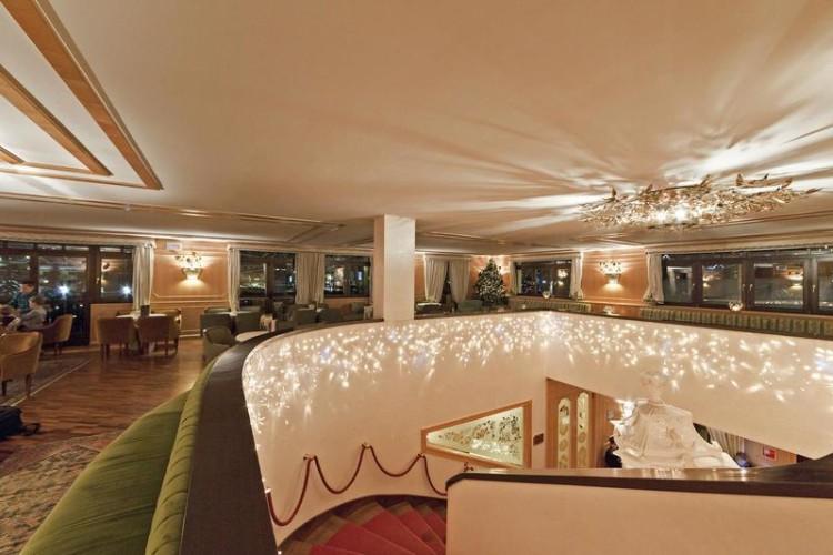 SPINALE HOTEL                                            (MADONNA DI CAMPIGLIO)  (TN)