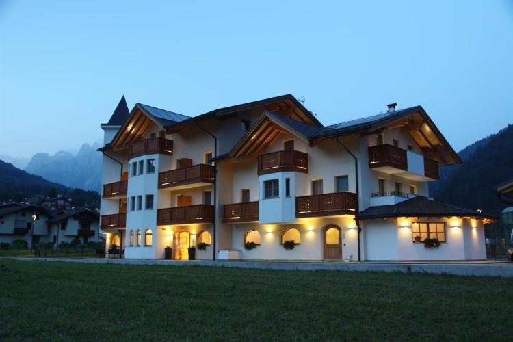 HOTEL GARNI' PARADISI              (MEZZANO) (TN)