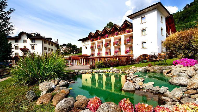 HOTEL SALVADORI           (MEZZANA)  (TN)