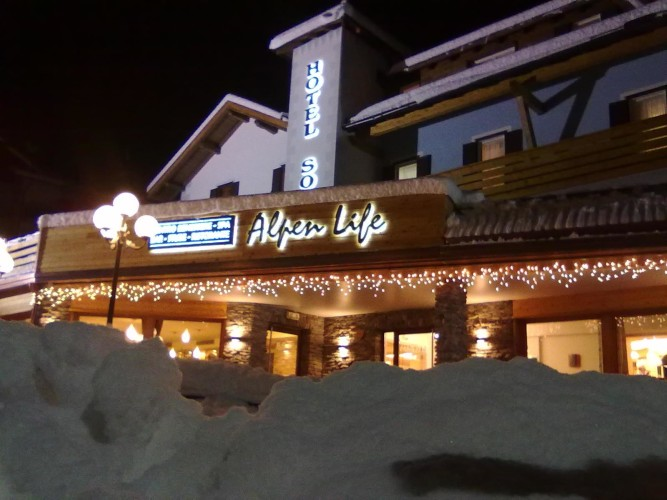 ALPEN LIFE HOTEL SOMEDA            (MOENA) (TN)