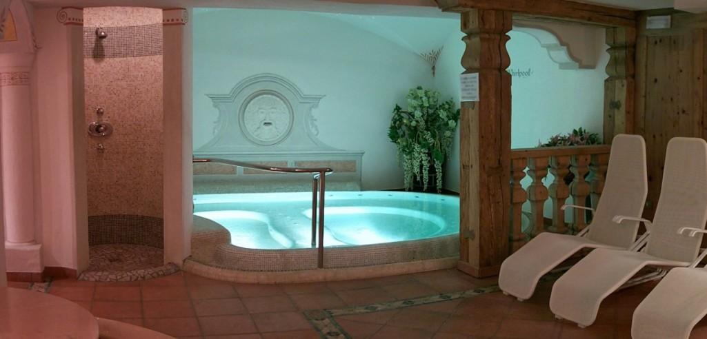 HOTEL  MEIDA                      (POZZA DI FASSA)  (TN)