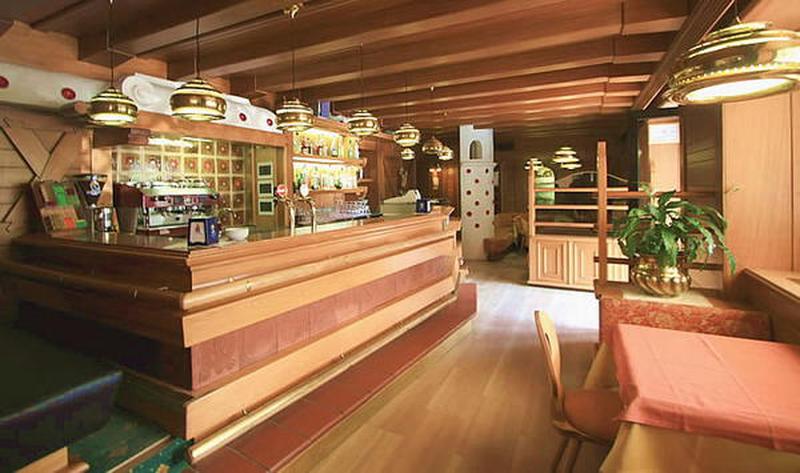 HOTEL  MONZONI              (POZZA DI FASSA)   (TN)