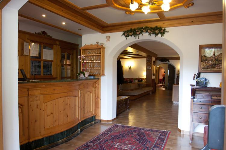 HOTEL  AL  PRATO                          (SAN MARTINO DI CASTROZZA)   (TN)