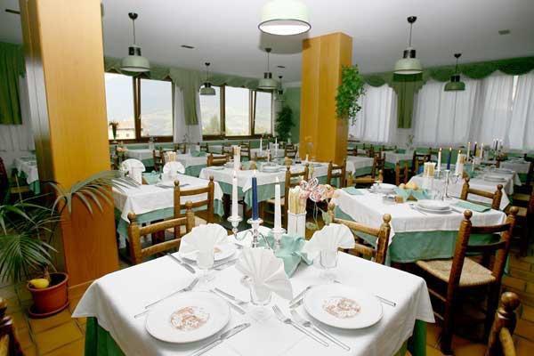 HOTEL ROSALPINA           (RIVA DEL GARDA )   (TN)