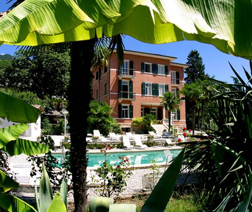 HOTEL VILLA  MORETTI                          (RIVA DEL GARDA) (TN)