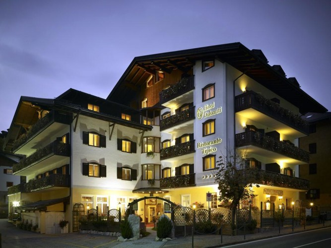 HOTEL DOLOMITI (MOENA)   (TN)